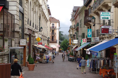 Aix-les-Bains : le droit de préemption commercial, alternative à l'ouverture des commerces le dimanche ?