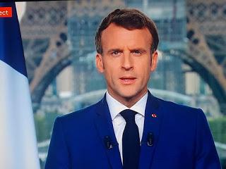 Emmanuel Macron serre la vis et accroît les restrictions aux non-vaccinés